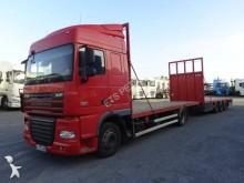 ciężarówka z przyczepą platforma do transportu słomy DAF