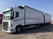 ciężarówka z przyczepą firanka Volvo