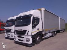 ciężarówka z przyczepą firanka Iveco