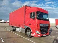 vrachtwagen met aanhanger DAF XF460