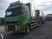 ciężarówka z przyczepą dłużyca Volvo