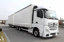 ciężarówka z przyczepą Mercedes Actros 2543