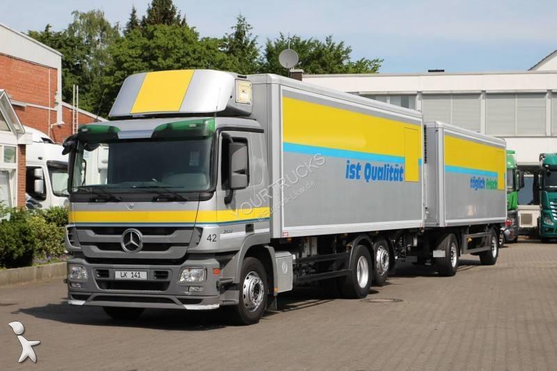 Camião reboque Mercedes