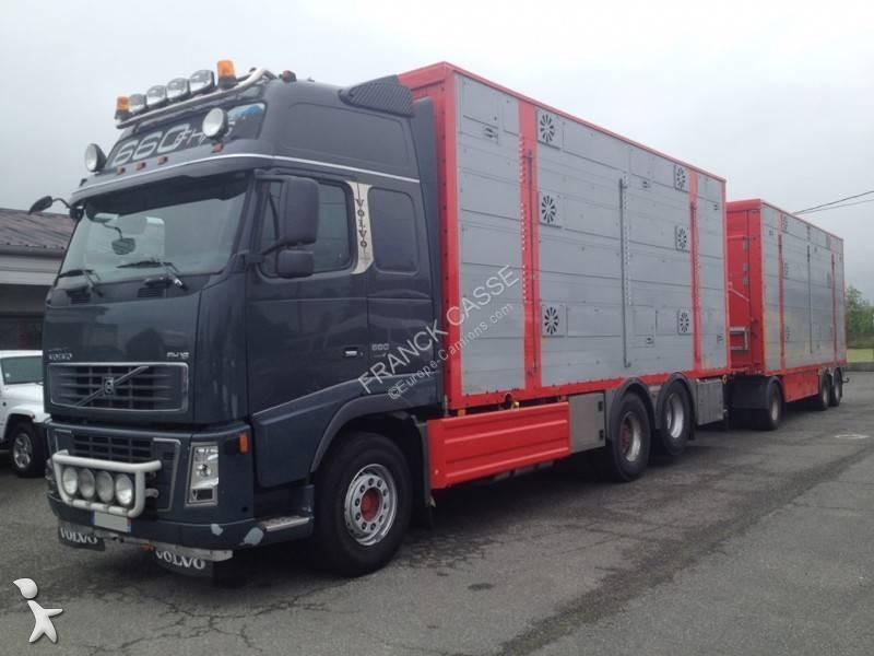 Ciężarówka z przyczepą Volvo