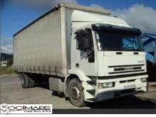outro camião reboque Iveco