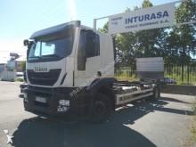 ciężarówka z przyczepą do transportu kontenerów Iveco