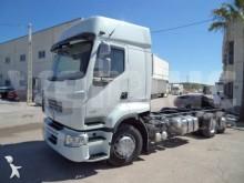 ciężarówka z przyczepą podwozie Renault