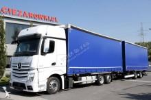 ciężarówka z przyczepą Mercedes Actros 2542