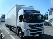 Volvo Lastzug Kastenwagen Mehrschichtboden