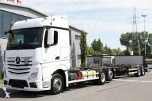 ciężarówka z przyczepą podwozie Mercedes