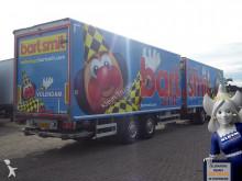 vrachtwagen met aanhanger bakwagen onbekend