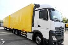 camion remorque fourgon porte vêtements Mercedes