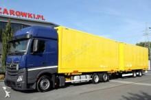 ciężarówka z przyczepą furgon do transportu odzieży Mercedes