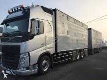 ciężarówka z przyczepą Volvo FH