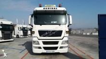 -48h 10 Camión remolque portamáquinas MAN TGX 28.480 40.000 2008 1 190 000 km6x2