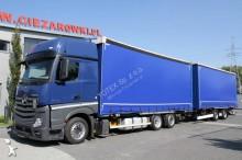 camião reboque caixa aberta com lona Mercedes