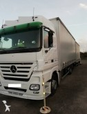 Mercedes Lastzug Schiebeplanen