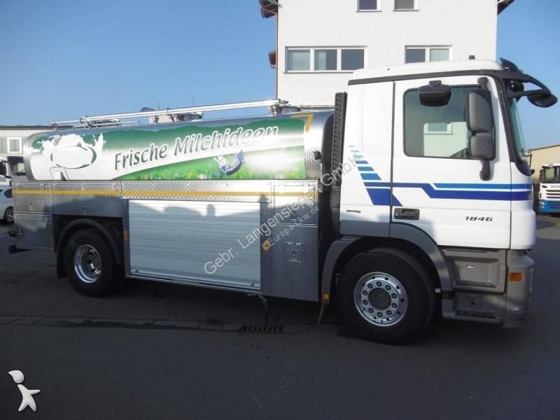 Vedeţi fotografiile Camion cu remorca Mercedes Edelstahltankaufbau