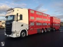 camión remolque para ganado Scania