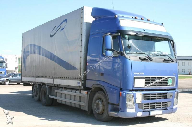 Camion Cu Remorca Volvo Cu Prelata Si Obloane Camion