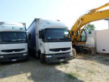 Zobaczyć zdjęcia Ciężarówka z przyczepą Renault