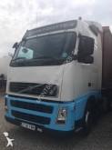 conjunto rodoviário caixa aberta com lona sistema tecto deslizante Volvo