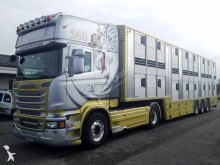 ansamblu cap tractor si semiremorca transport animale Scania