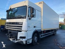 ensemble routier DAF XF105 FA 410
