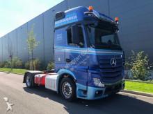 ansamblu cap tractor si semiremorca transport utilaje Mercedes