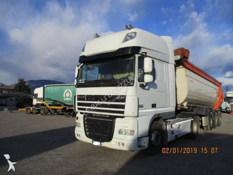 DAF tractor-trailer