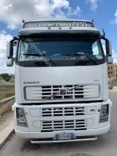 Ver las fotos Tractora semi Volvo