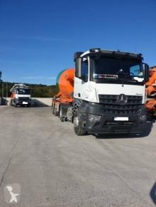 Bekijk foto's Vrachtwagencombinatie Mercedes