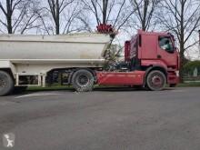Voir les photos Ensemble routier Renault