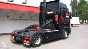 Voir les photos Ensemble routier Volvo