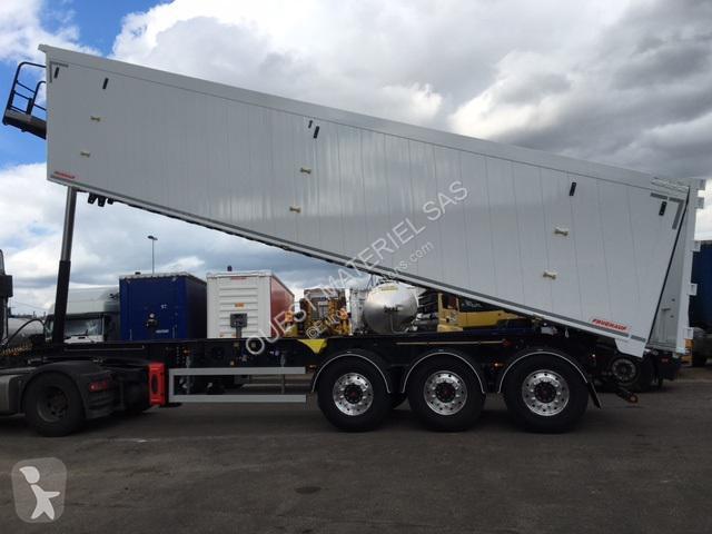 Fruehauf AGROMAX semi-trailer