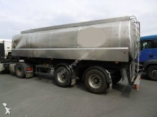 semirimorchio cisterna trasporto alimenti incidentato