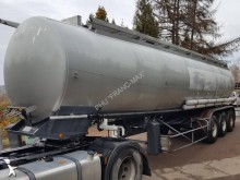 Trailor oil/fuel tanker semi-trailer