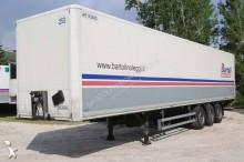 semiremorca furgon Merker