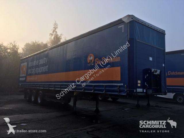 Schmitz Cargobull Curtainsider semi-trailer