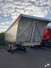 Benalu sidérale semi-trailer