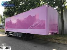 Burg gesloten bak City trailer semi-trailer