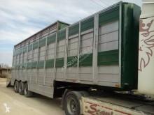 semi reboque transporte de gados bovinos Fruehauf