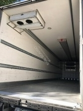 used Chereau multi temperature refrigerated semi-trailer Carrier SEMI FRIGORIFIQUE - 33 PALETTES + HAYON 3 axles rear hatch - n°2771781 - Picture 3