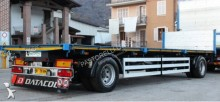 aanhanger houtvrachtwagen Piacenza