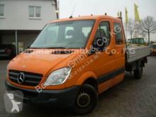 furgoneta volquete Mercedes