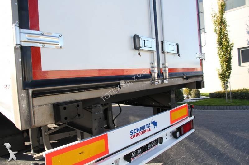 rimorchio schmitz cargobull isotermico 2 axle trailer. Black Bedroom Furniture Sets. Home Design Ideas