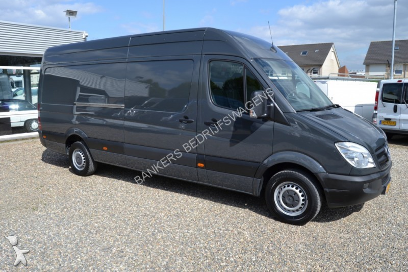 fourgon utilitaire mercedes sprinter 319 cdi 3 0 v6 l3h2. Black Bedroom Furniture Sets. Home Design Ideas