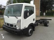 furgoneta chasis cabina Nissan