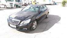 coche berlina Mercedes