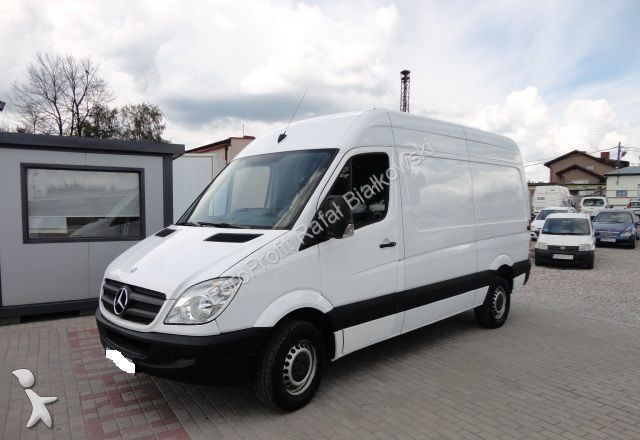 fourgon utilitaire mercedes sprinter 319 cdi occasion n. Black Bedroom Furniture Sets. Home Design Ideas